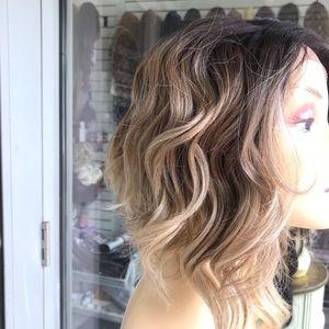 Accessories - Ash blonde ombré asymmetrical wig Lacefront
